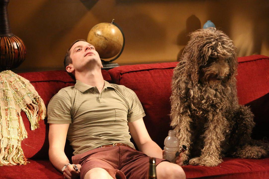 Saß wirklich ein Mensch im Hundekostüm neben Ryan (Elijah Wood) oder einfach nur ein alter Hund? - Bildquelle: 2014 Fox and its related entities.  All rights reserved.