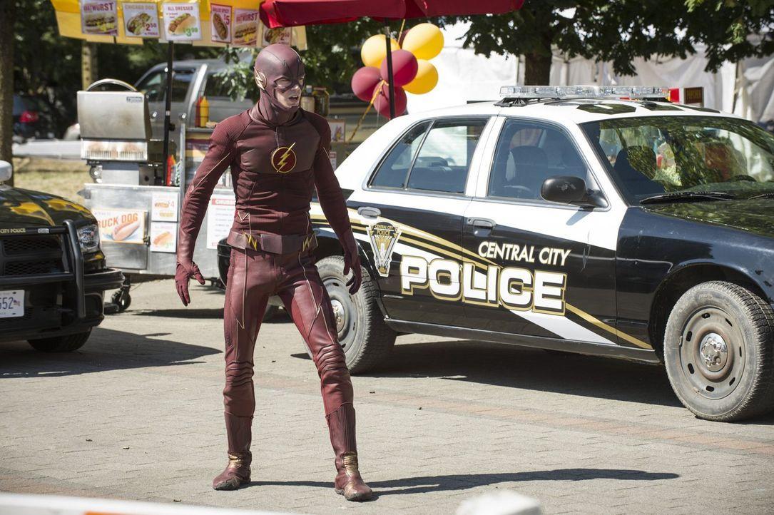 Barry alias The Flash (Grant Gustin) glaubt, dass er die Stadt auf eigene Faust retten muss, um seine Freunde nicht in Gefahr zu bringen - kann das... - Bildquelle: 2015 Warner Brothers.