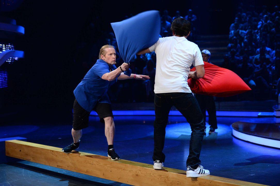 """Bei """"Schlag den Star"""" treten wieder Prominente gegeneinander an. Doch wer wird das Rennen machen - Joey Kelly (l.) oder Steffen Henssler (r.)? - Bildquelle: Willi Weber ProSieben"""