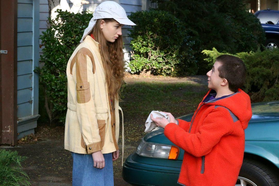 Cindy (Casey Burke, l.); Brick (Atticus Shaffer, r.) - Bildquelle: Warner Brothers