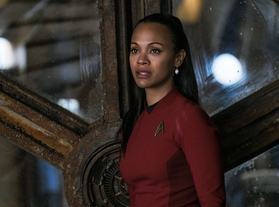 Muss in Gefangenschaft eines brutalen und skrupellosen Mannes ums Überleben kämpfen: Uhura (Zoe Saldana) ... - Bildquelle: Kimberley French 2016 Paramount Pictures. STAR TREK and related marks and logos are trademarks of CBS Studios Inc.