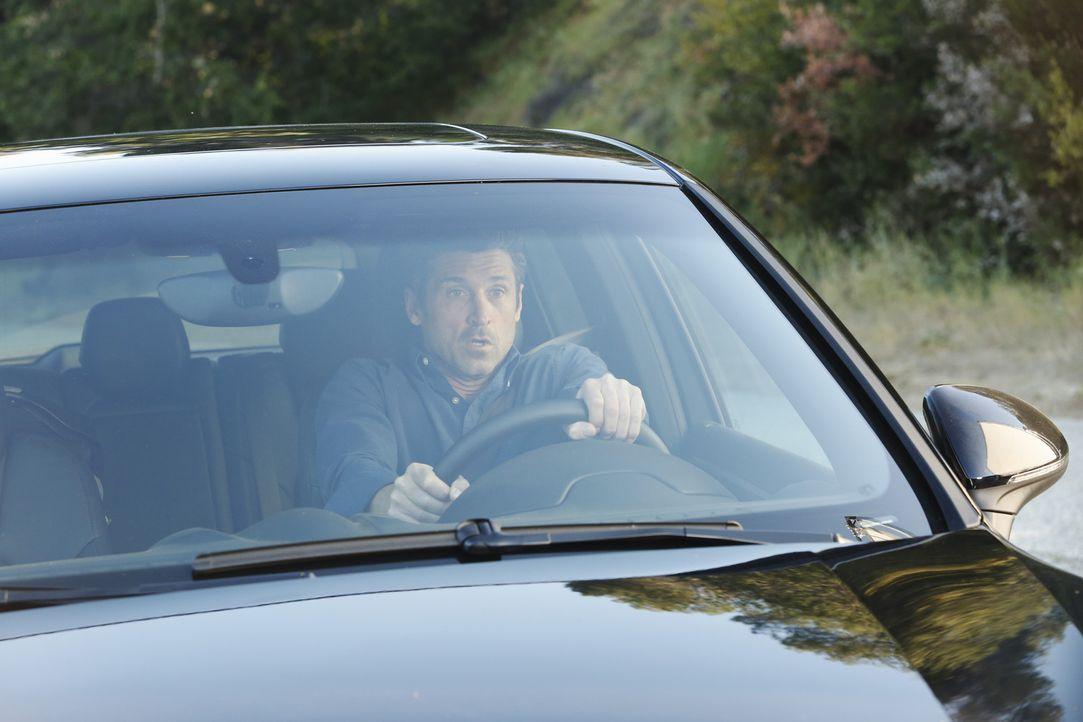 Während sich Meredith große Sorgen um Derek (Patrick Dempsey) macht, wird er Zeuge eines schrecklichen Autounfalls ... - Bildquelle: ABC Studios
