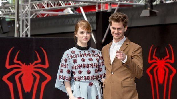 Oscars® 2017-Favoritin Emma Stone: Händchen haltend mit Andrew Garfield erwischt