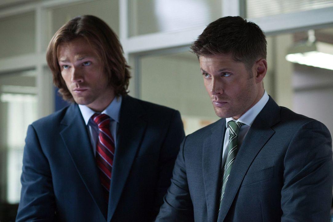 Wie lange werden Sam (Jared Padalecki, l.) und Dean (Jensen Ackles, r.) noch gemeinsam auf die Jagd gehen? - Bildquelle: Warner Bros. Television
