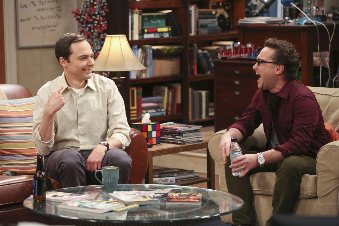 Während sich Sheldon (Jim Parsons, l.) und Leonard (Johnny Galecki, r.) auf den Weg nach Las Vegas machen, suchen Penny, Bernadette mit Amy nach dem... - Bildquelle: Warner Bros. Television