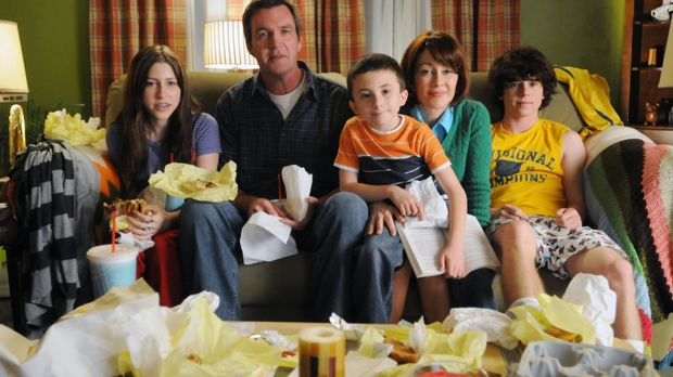 Eine ganz besondere Familie: Mike (Neil Flynn, 2.v.l.), Sue (Eden Sher, l.),...