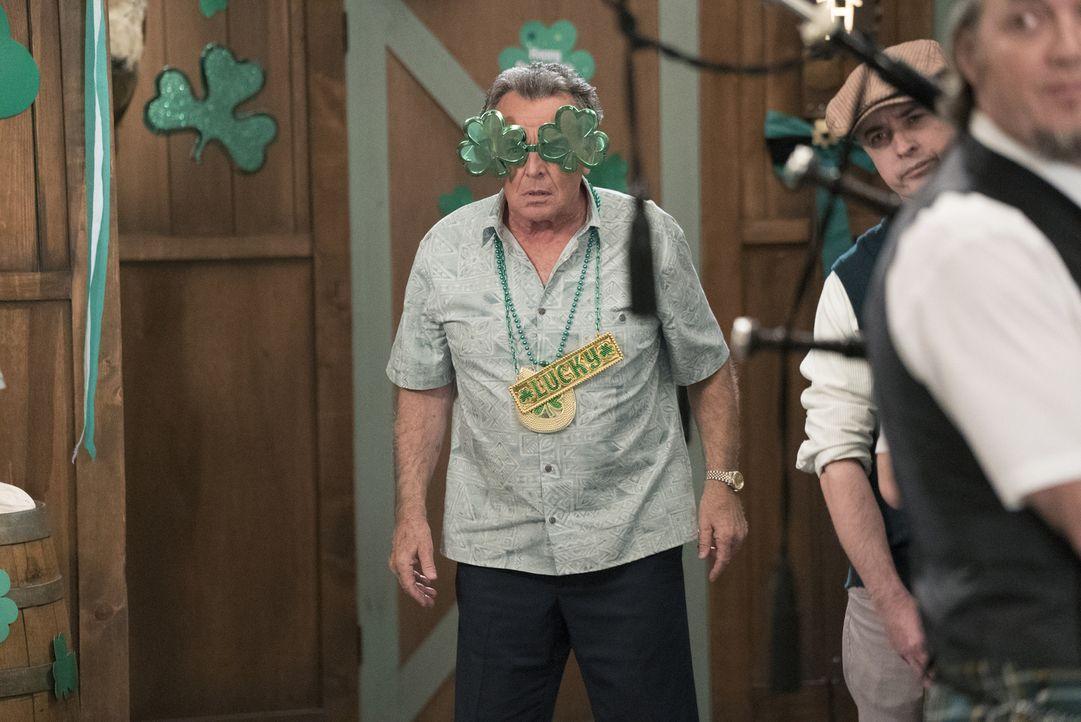 Am St. Patrick's Day wartet eine Überraschung auf Marvin (Ray Wise), während Eddie einen Platz in einer Ehrenverbindung erhält ... - Bildquelle: 2017-2018 American Broadcasting Companies. All rights reserved.