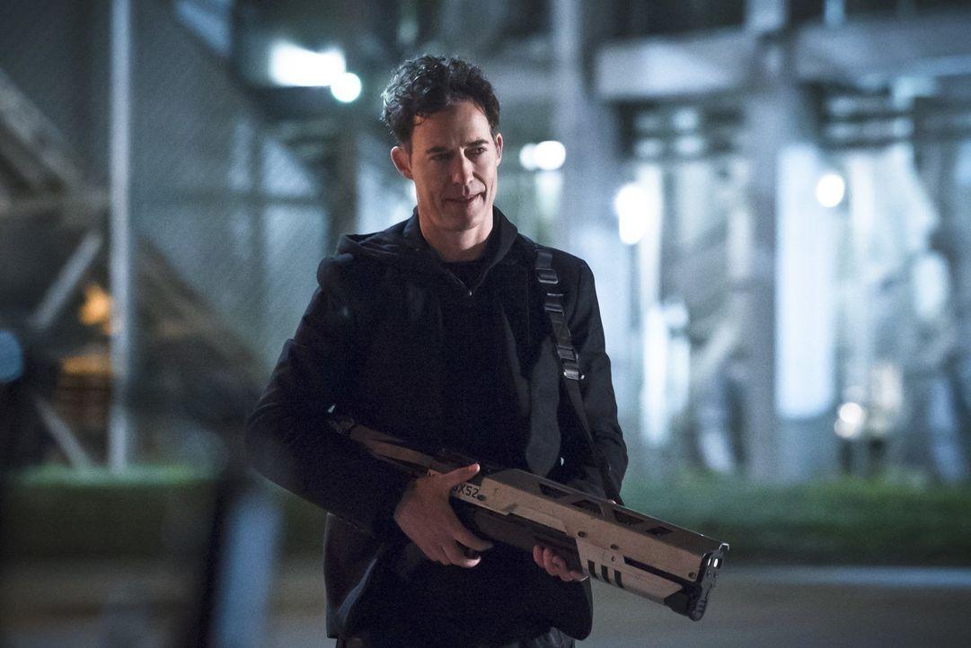 Wird Dr. Wells (Tom Cavanagh) seiner Tochter den Wunsch, in ihre eigene Welt zurückzukehren, je erfüllen können? - Bildquelle: Warner Bros. Entertainment, Inc.