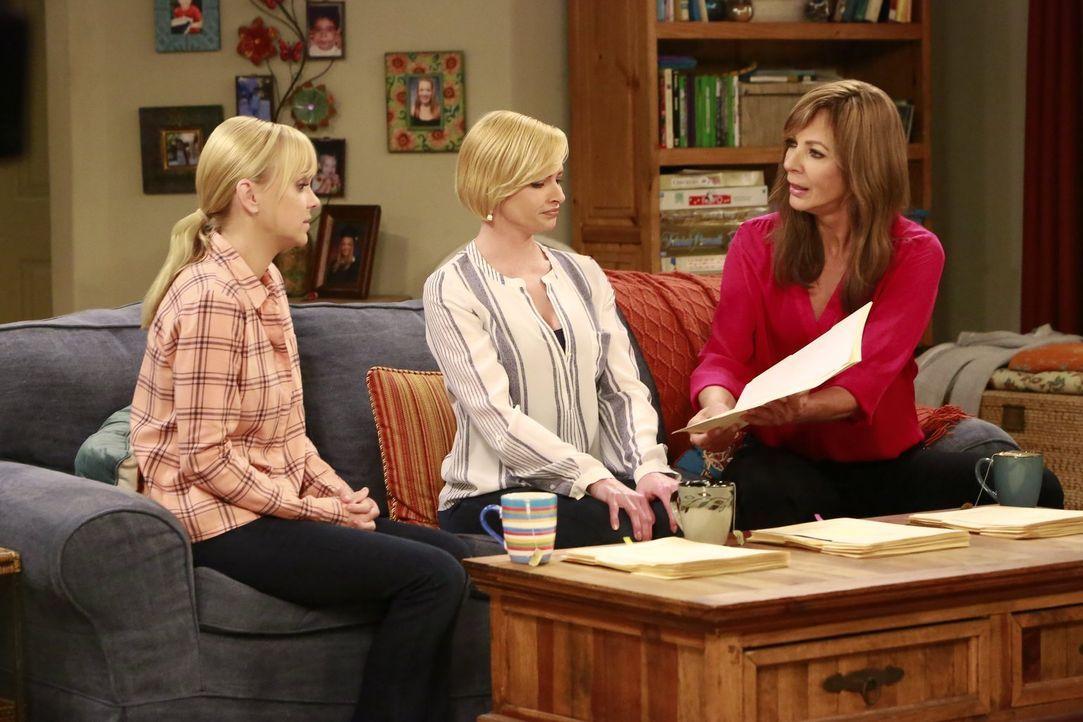 Dass sich ihre Mutter vor einem Jahr umgebracht hat, lässt Jill (Jaime Pressly, M.) nicht kalt. Christy (Anna Faris, l.) und Bonnie (Allison Janney,... - Bildquelle: 2016 Warner Bros. Entertainment, Inc.