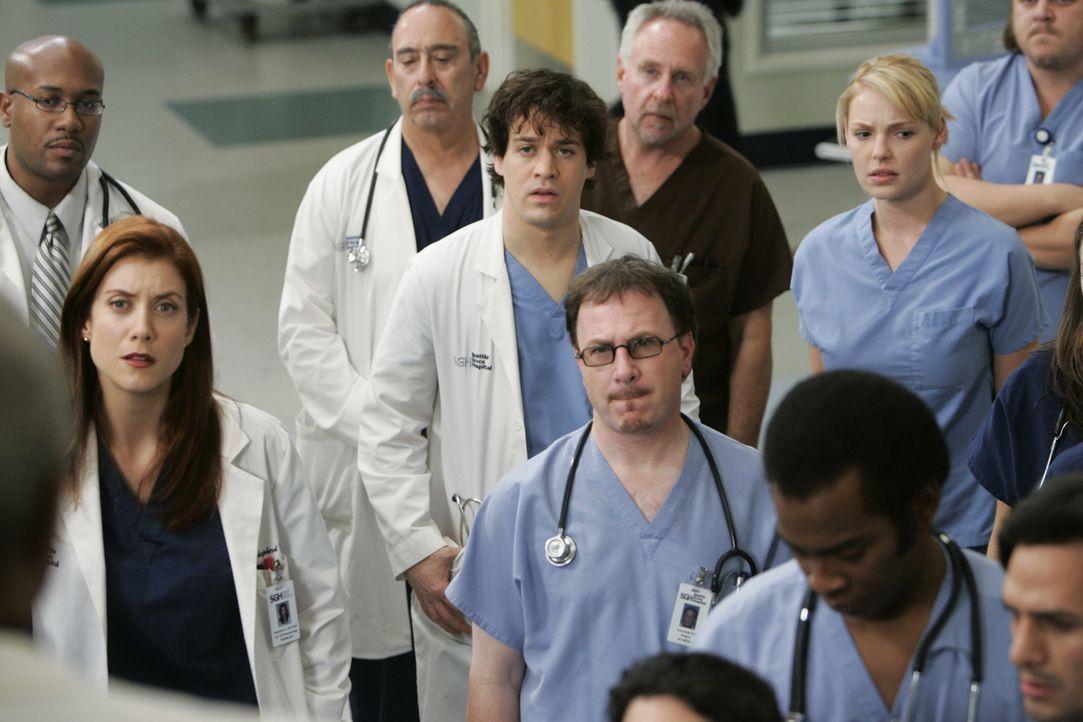 Ein Patient hat eine scharfe Granate mit großer Sprengkraft in seinem Brustkorb stecken. Im Krankenhaus herrscht große Aufregung: Addison (Kate Wals... - Bildquelle: Touchstone Television