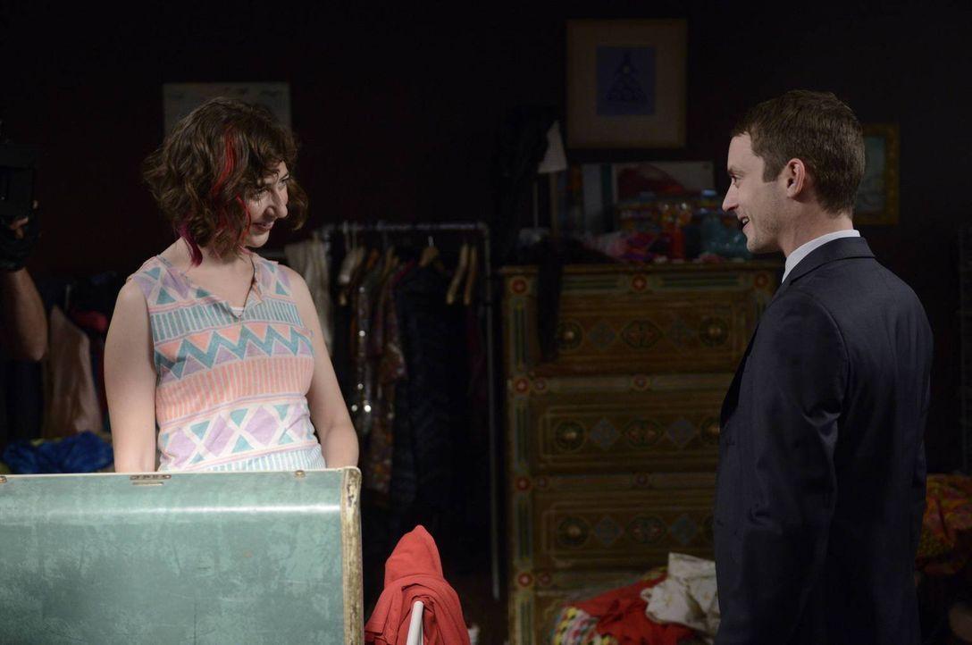 Anne (Kristen Schaal, l.) und Ryan (Elijah Wood, r.) scheinen sich außergewöhnlich gut zu verstehen ... - Bildquelle: 2013 Bluebush Productions, LLC. All rights reserved.