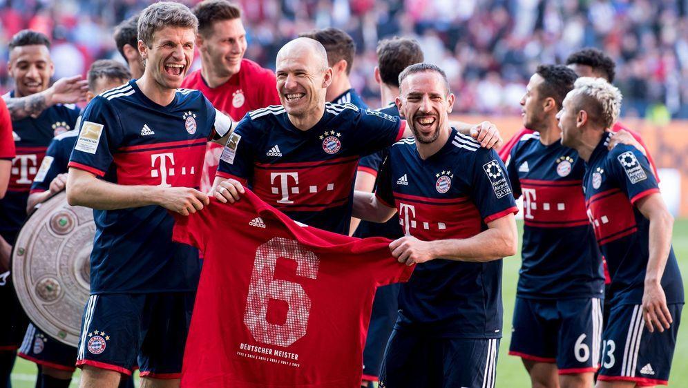 Doppelte Freude für Meister Ribéry  - Bildquelle: (c) Copyright 2018, dpa (www.dpa.de). Alle Rechte vorbehalten