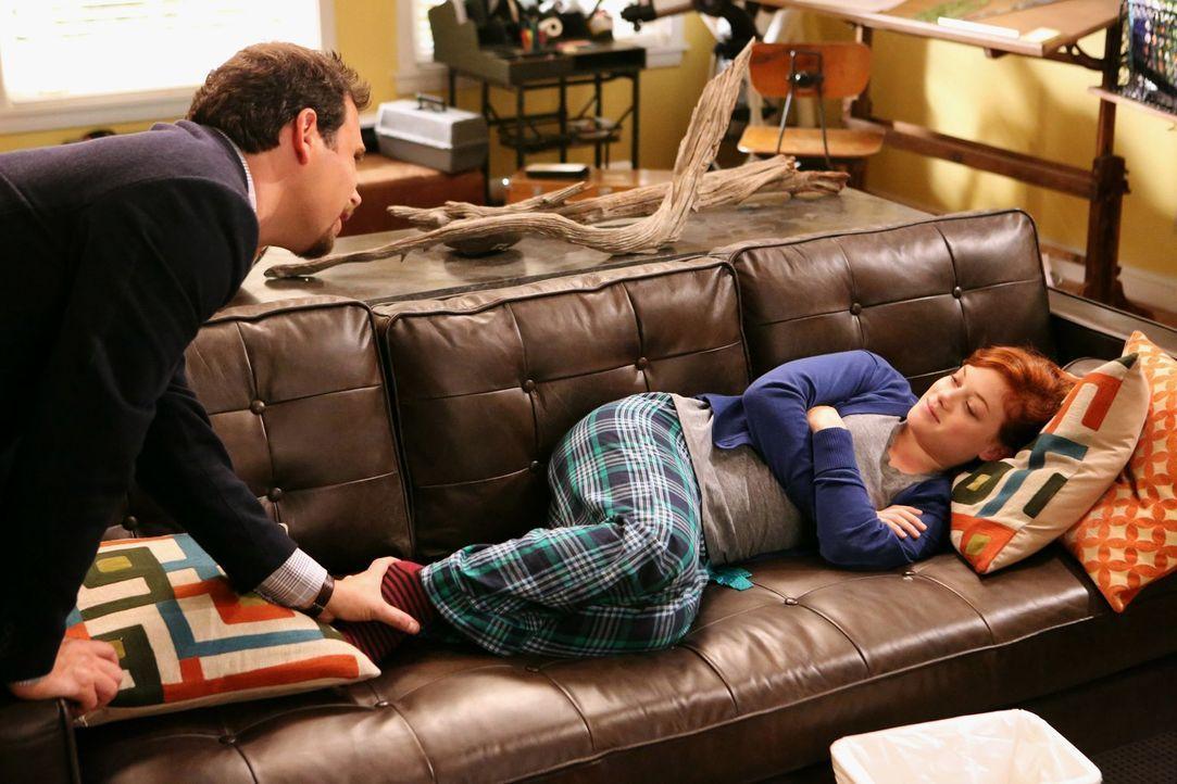 Während George (Jeremy Sisto, l.) von seinen ehemaligen Arbeitskollegen aus New York wegen seinem neuen Lebensstils aufgezogen wird, möchte Lisa meh... - Bildquelle: Warner Brothers