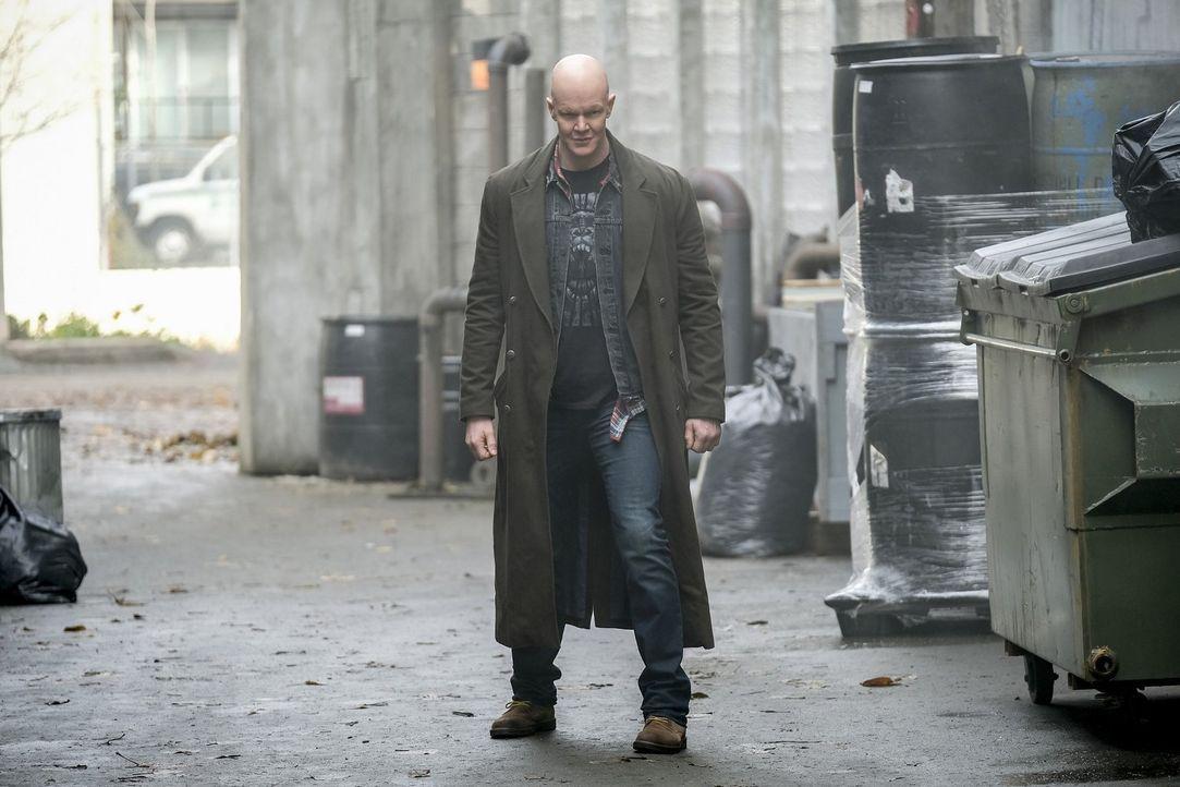 Das Metawesen Sylbert Rundine alias Dwarfstar (Derek Mears) sorgt für Angst und Schrecken in Central City, während das Team noch immer damit beschäf... - Bildquelle: 2017 Warner Bros.