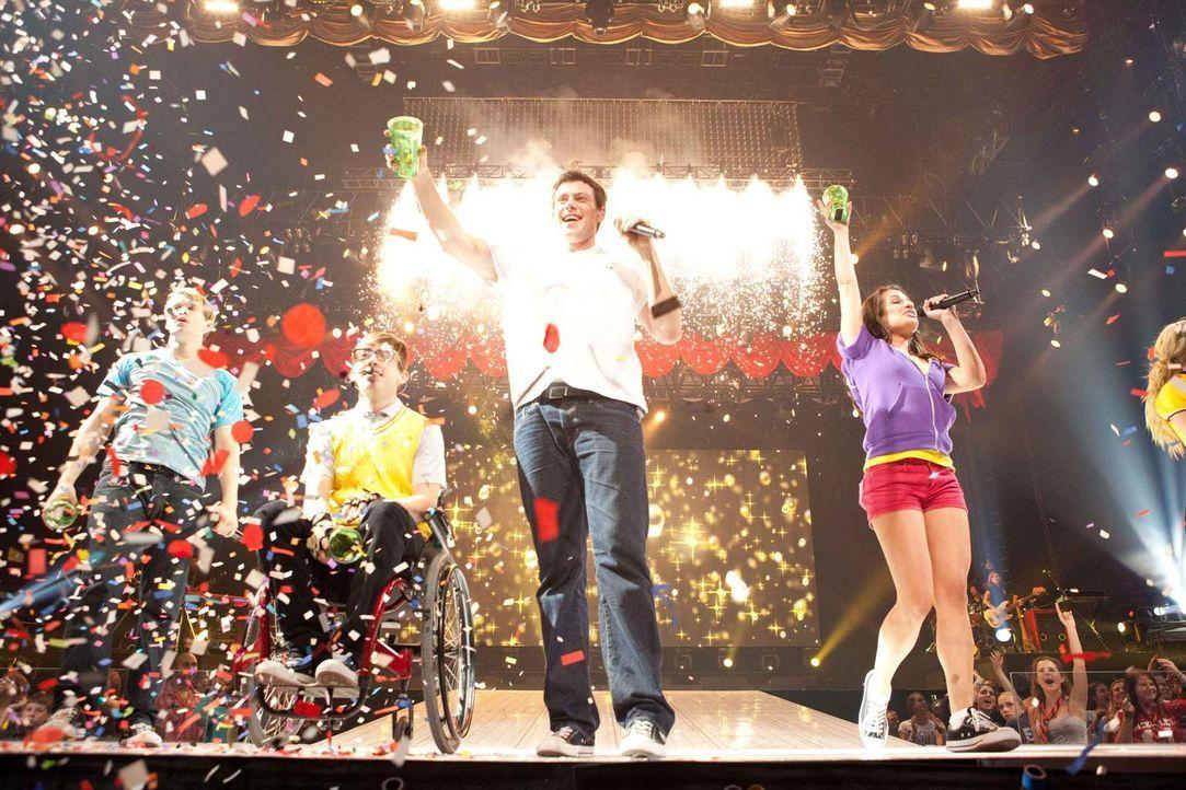 """Mitreißende Musik und jede Menge Herzschmerz: Seit 2009 ist die TV-Serie """"Glee"""" um einen Highschool-Chor nicht nur in den USA ein Hit. Der Film, der... - Bildquelle: Adam Rose TM and   2011 Twentieth Century Fox Film Corporation.  All rights reserved."""