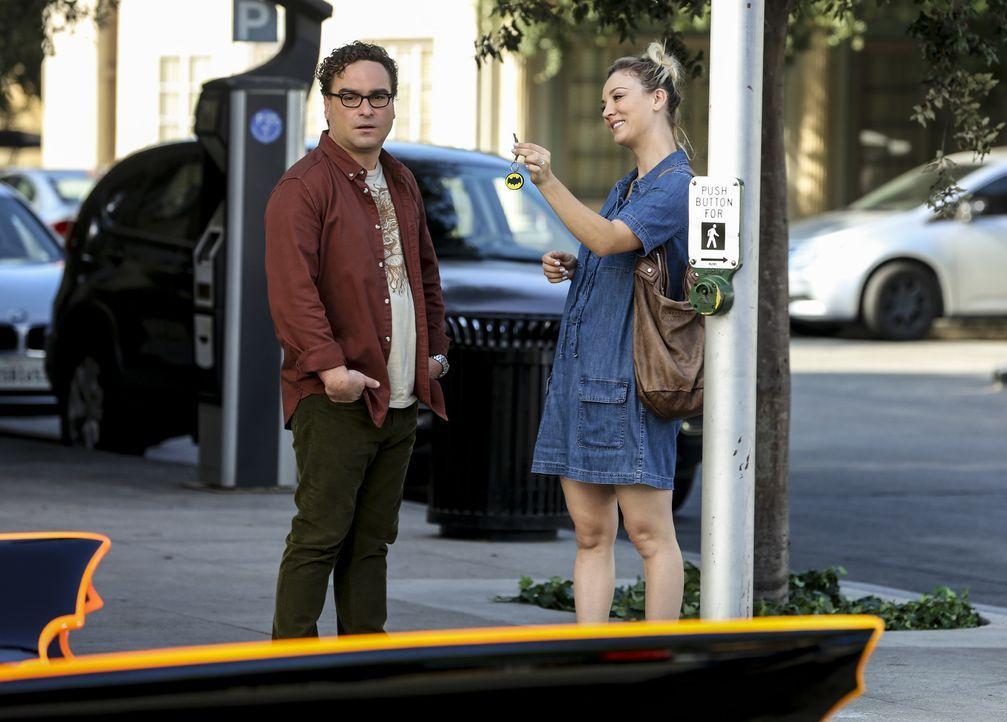 Leonard (Johnny Galecki, l.); Penny (Kaley Cuoco, r.) - Bildquelle: Warner Bros. Television