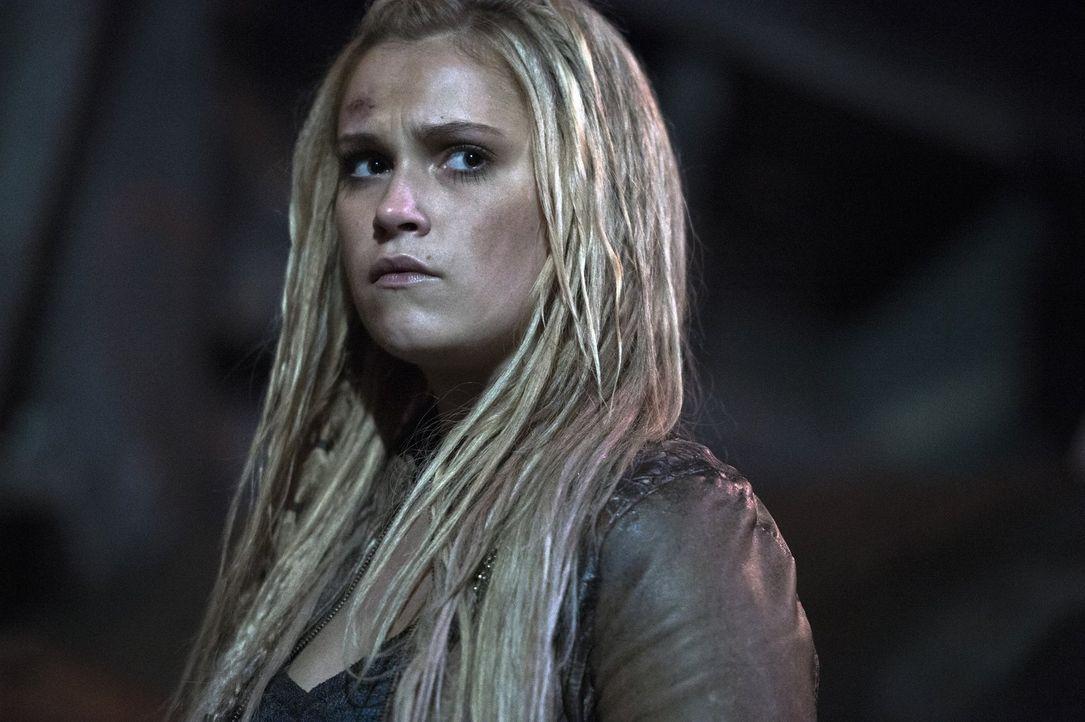 Clarke (Eliza Taylor) erkennt, dass ein möglicher Nachfolger von Lexa für die Skaikru den Tod bedeuten wird, aber kann sie dem Richtigen wirklich he... - Bildquelle: 2014 Warner Brothers