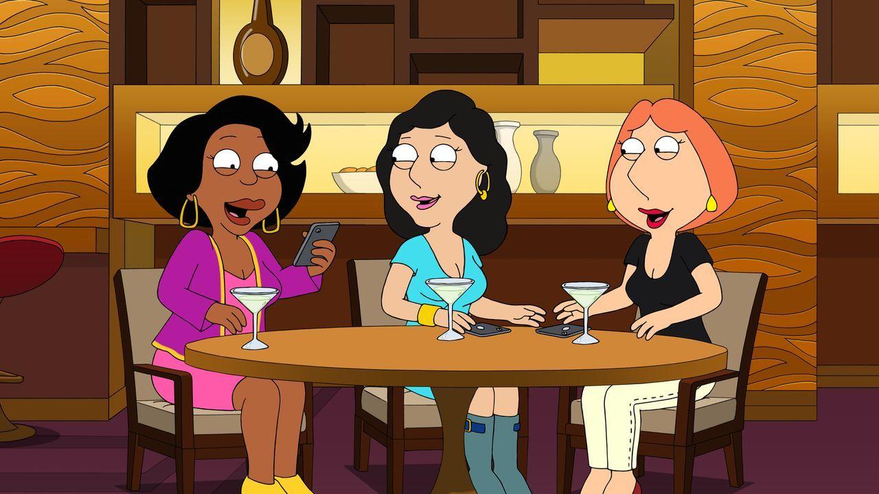 An ihrem Mädelsabend machen sich Donna (l.), Bonnie (M.) und Lois (r.) einen Spaß daraus, ihren Männer einem Telefonstreich zu spielen - doch für Pe... - Bildquelle: 2016-2017 Fox and its related entities.  All rights reserved.