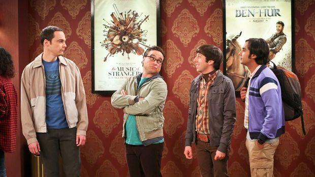 Während Sheldon (Jim Parsons, l.), Leonard (Johnny Galecki, 2.v.l.), Howard (...