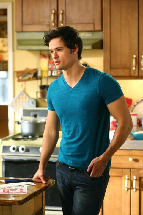 Finn (Matthew Atkinson) - Bildquelle: Warner Brothers