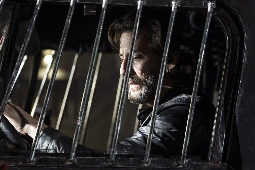 Kane (Henry Ian Cusick) startet einen erneuten Versuch, um Bellamy davon zu überzeugen, dass Pike nicht den richtigen Weg eingeschlagen hat. Wird ih... - Bildquelle: 2014 Warner Brothers