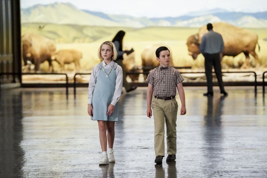 Paige (Mckenna Grace, l.); Sheldon (Iain Armitage, r.) - Bildquelle: Sonja Flemming 2018 CBS Broadcasting, Inc. All Rights Reserved./Sonja Flemming