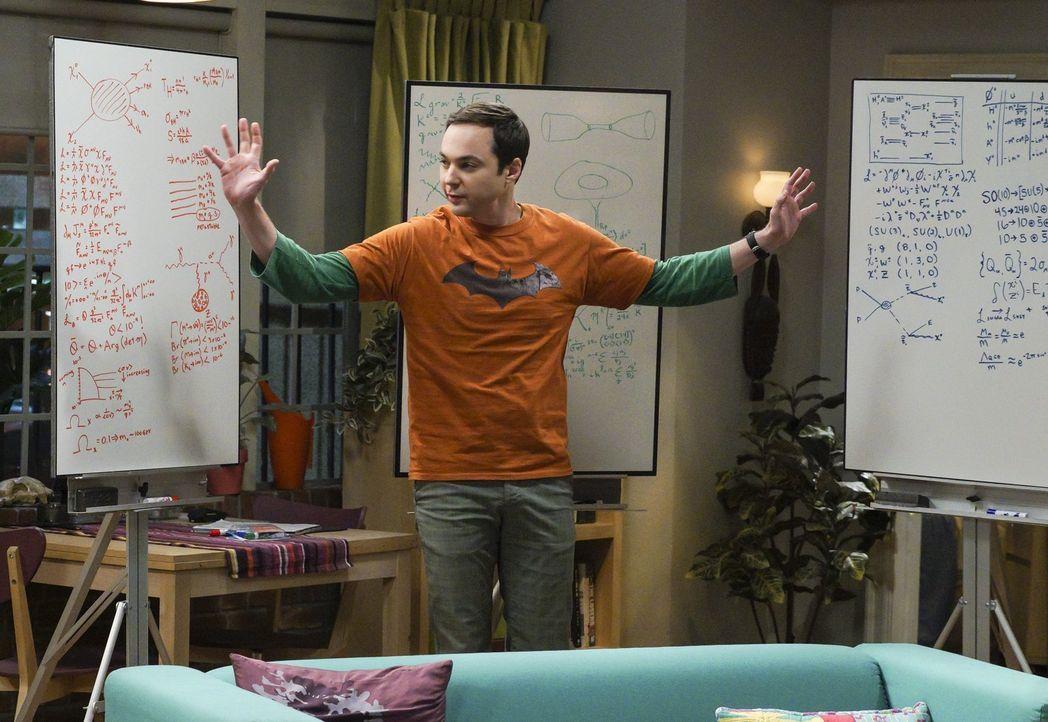 Als Leonard eine vernichtende Aussage über die moderne Physik, die er in einem Radiointerview gegeben hat, revidieren soll, sucht er Unterstützung b... - Bildquelle: Warner Bros. Television
