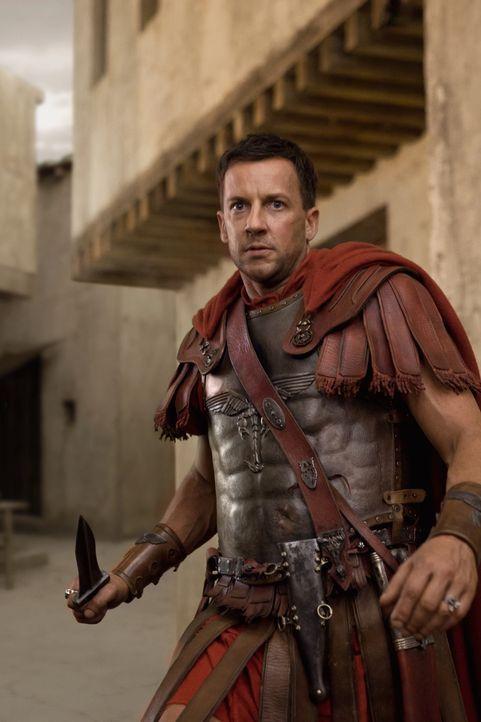 Praetor Gaius Claudius Glaber (Craig Parker) legt Spartacus eine Falle, die aber nicht richtig zuschnappt ... - Bildquelle: 2011 Starz Entertainment, LLC. All rights reserved.
