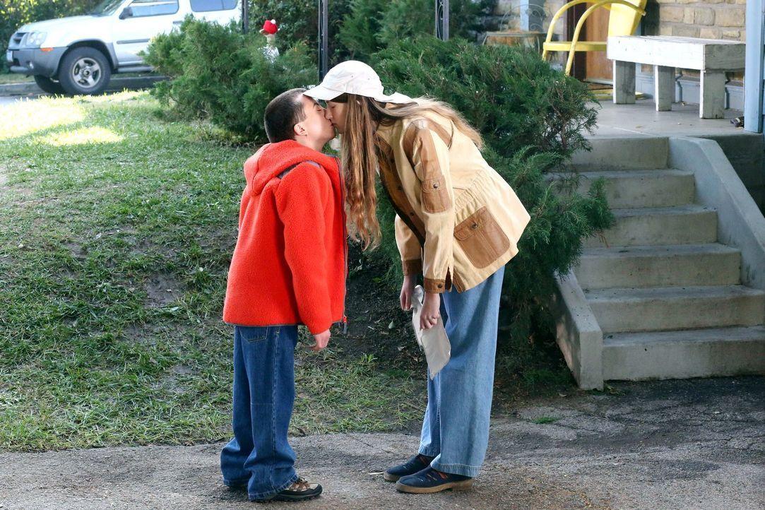Brick (Atticus Shaffer, l.); Cindy (Casey Burke, r.) - Bildquelle: Warner Brothers