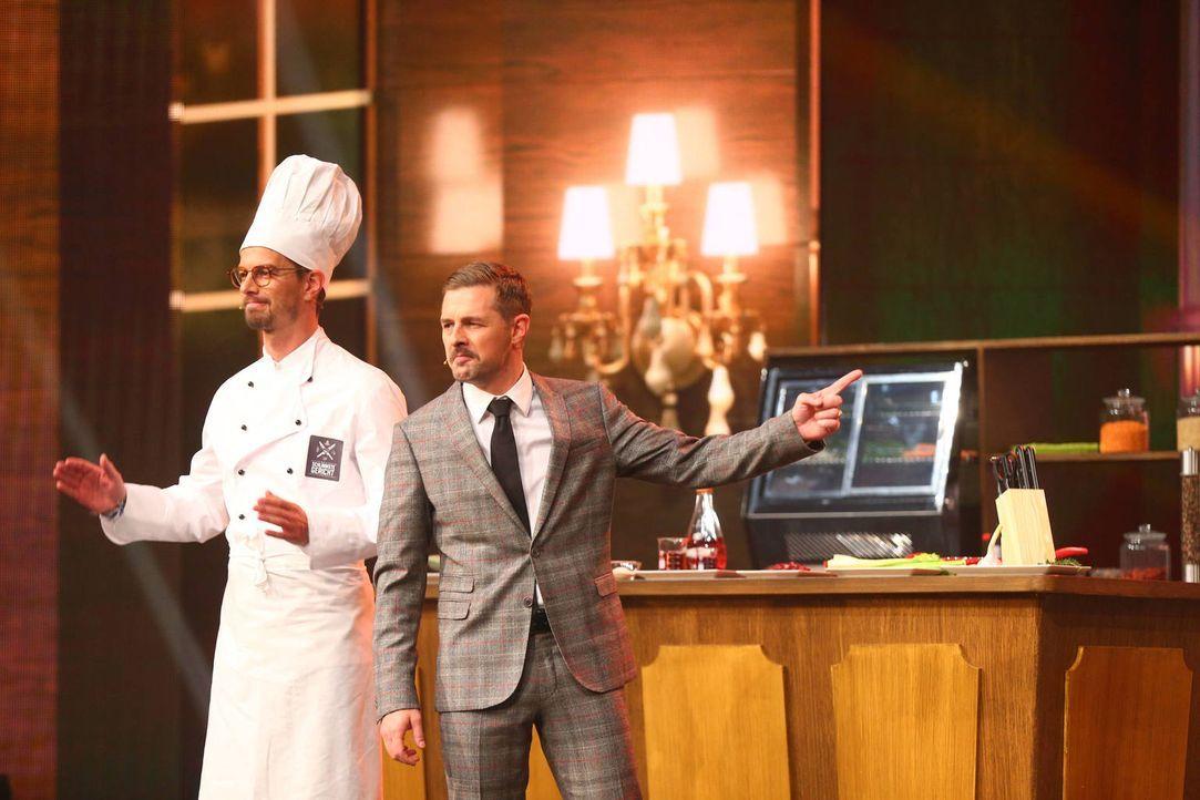"""Sechs Shows in einer Show: Joko (l.) und Klaas (r.) kämpfen mit ihren jeweiligen Show-Ideen um den Titel """"Show-Master"""" ... - Bildquelle: Jens Hartmann ProSieben"""