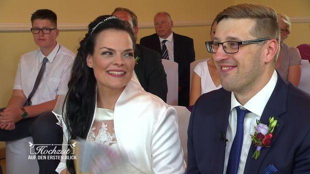 Hochzeit Auf Den Ersten Blick Video Romy Und Rico Die Blicke
