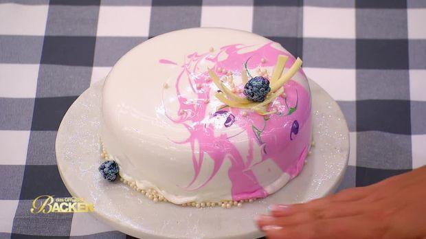 das groe backen video woche 7 macarontorten und atemberaubende mirror glaze cakes sat1 - Das Grose Backen Bewerben