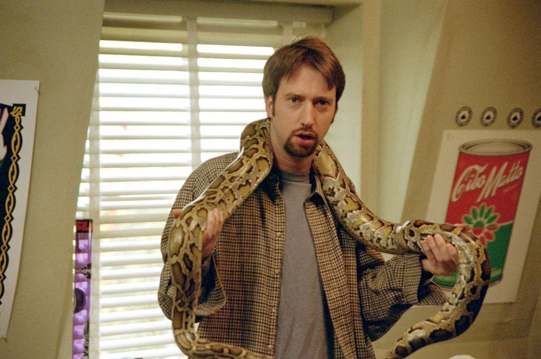 Während sich die anderen Jungs auf dem Weg nach Texas befinden, übernimmt der durchgeknallte Barry Manilow (Tom Green) nur zu gern die Pflege der Ha... - Bildquelle: TM &   DREAMWORKS L.L.C.