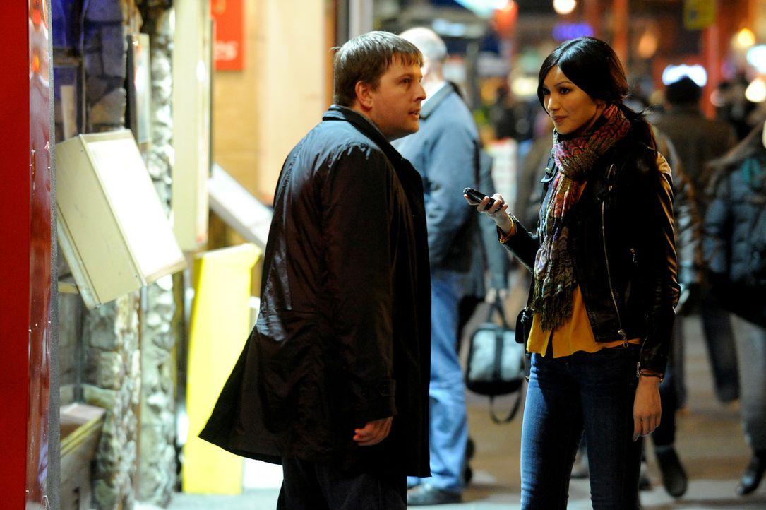 Ericas Bruder organisiert für Erika (r.) ein Date mit dem seltsamen Schotten Callum (l.). Das Date beginnt dementsprechend katastrophal, nimmt dann...