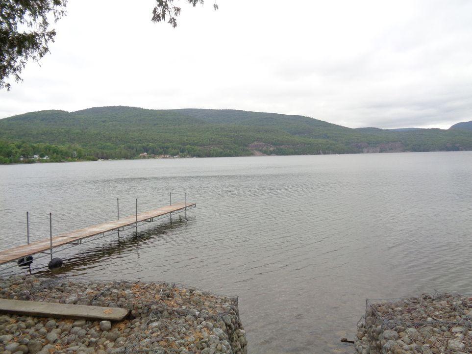 Der Lake Champlain, New York, ist vor allem wegen seiner Landschaft und den vielen Möglichkeiten für Outdoor Aktivitäten eine beliebte Gegend. Auch... - Bildquelle: 2015,HGTV/Scripps Networks, LLC. All Rights Reserved