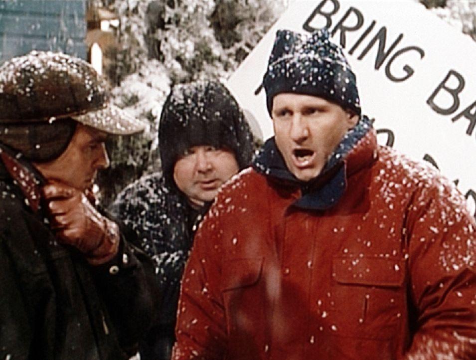 Al Bundy (Ed O'Neill, r.) protestiert gegen die Absetzung seiner Lieblingsserie. - Bildquelle: Sony Pictures Television International. All Rights Reserved.