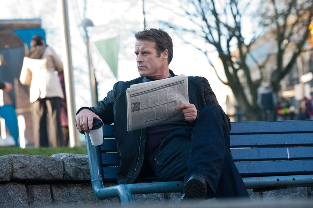 In einer neuen Mission unterwegs: Chance (Mark Valley) ... - Bildquelle: 2011  Warner Bros.