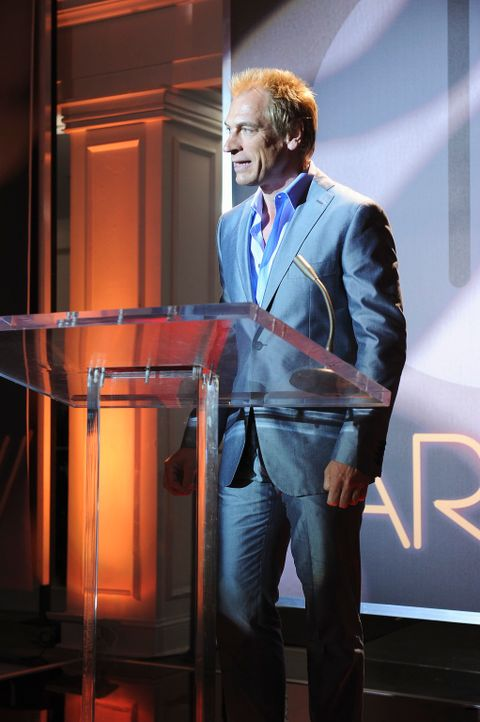 In New York ist Fashion Week und Teddy Farrow (Julian Sands) stellt seine neue Kollektion vor. - Bildquelle: ABC Studios