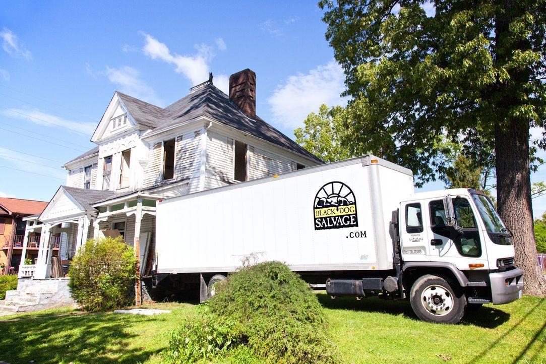"""Das Team von """"Black Dog Salvage"""" ist in historischen Gebäuden, bei Haushaltsauflösungen oder in verlassenen Fabriken, Farmhäusern und heruntergekomm... - Bildquelle: 2013, DIY Network/Scripps Networks, LLC. All Rights Reserved."""
