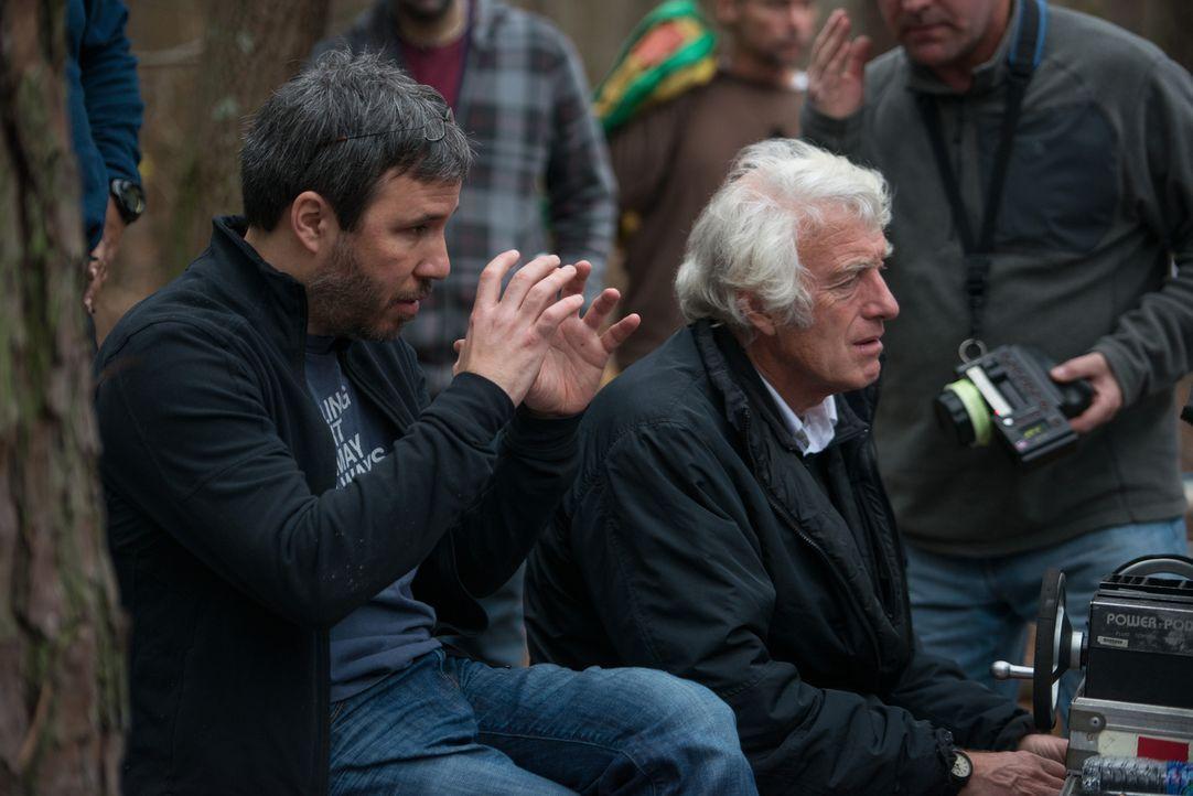 Regisseur Denis Villeneuve (l.) und Kamermann Roger A. Deakins (r.) am Set - Bildquelle: TOBIS FILM. ALL RIGHTS RESERVED