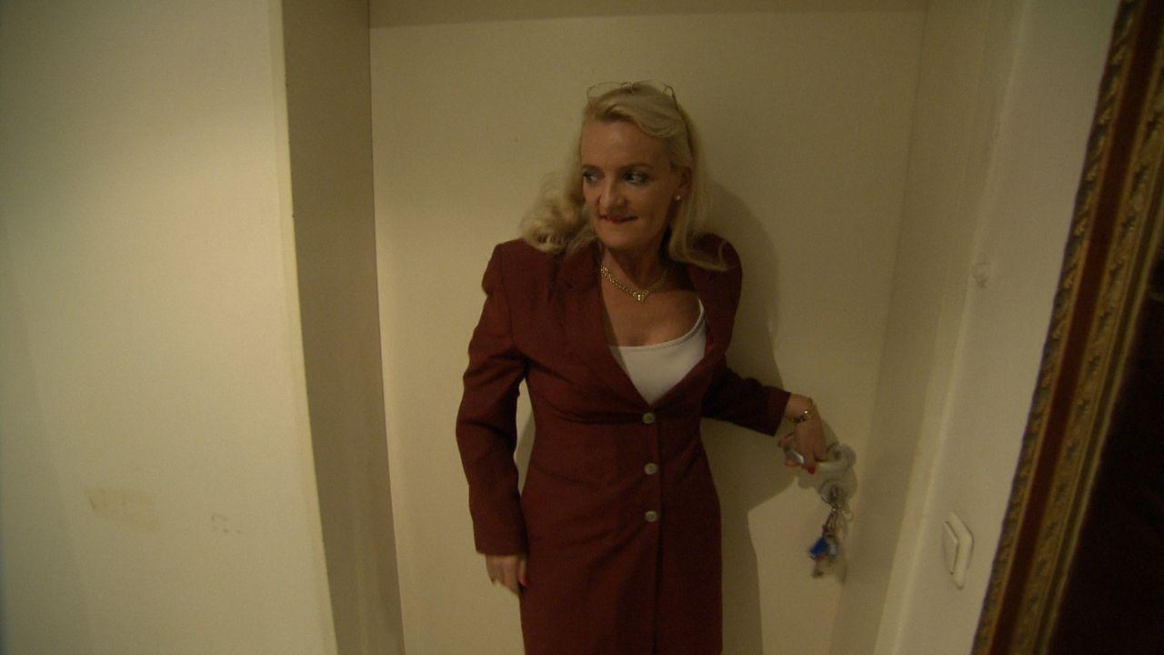 Hotelfachfrau Eva wird seit Jahren von ihrer Stiefmutter Beate schikaniert. Diese hat das Hotel von Evas Vater vor der Insolvenz gerettet und erwart... - Bildquelle: SAT.1