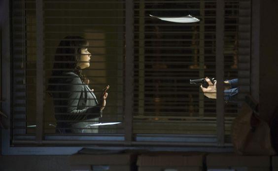 Blue Bloods - Als Baez (Marisa Ramirez) dem offenbar tiefunglücklichen und ve...