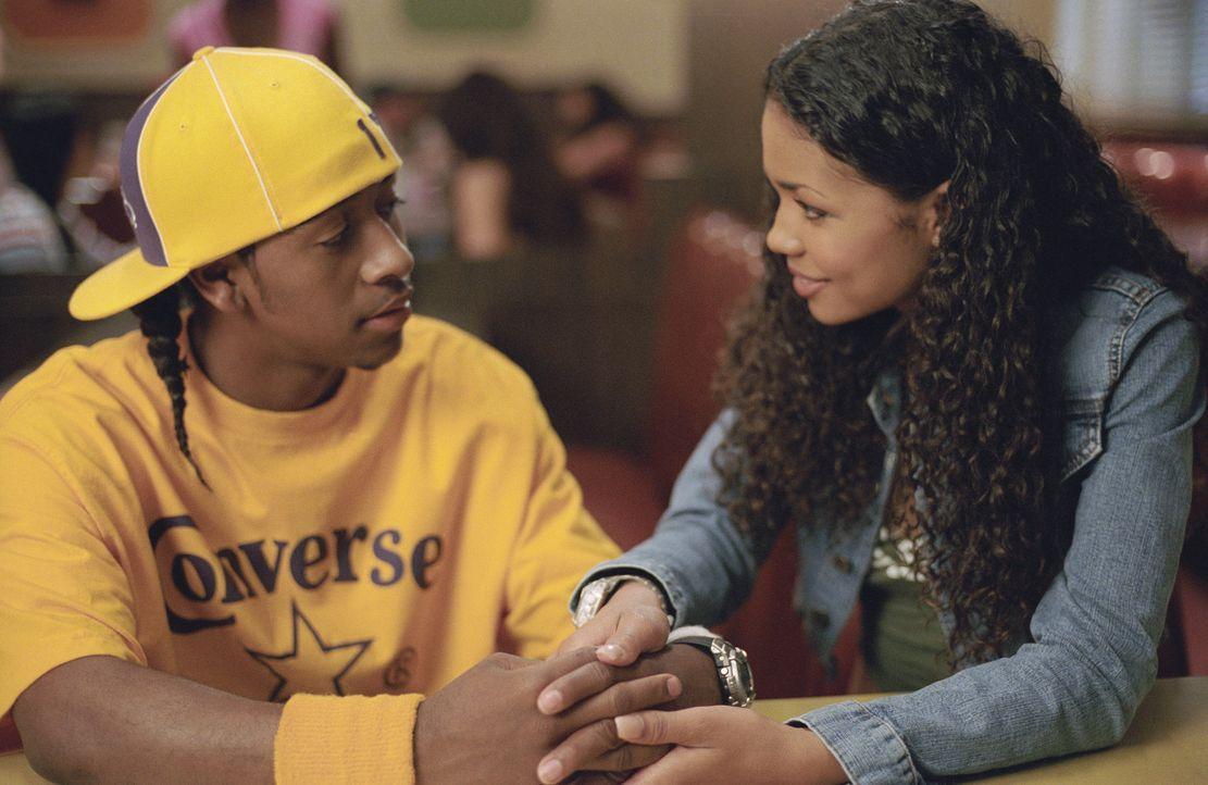 Unglücklicherweise verliebt sich David (Omari Grandberry, l.) in Elgins jüngere Schwester Liyah (Jennifer Freeman, r.), was dem ehemaligen Freund... - Bildquelle: 2004 Screen Gems, Inc. All Rights Reserved.
