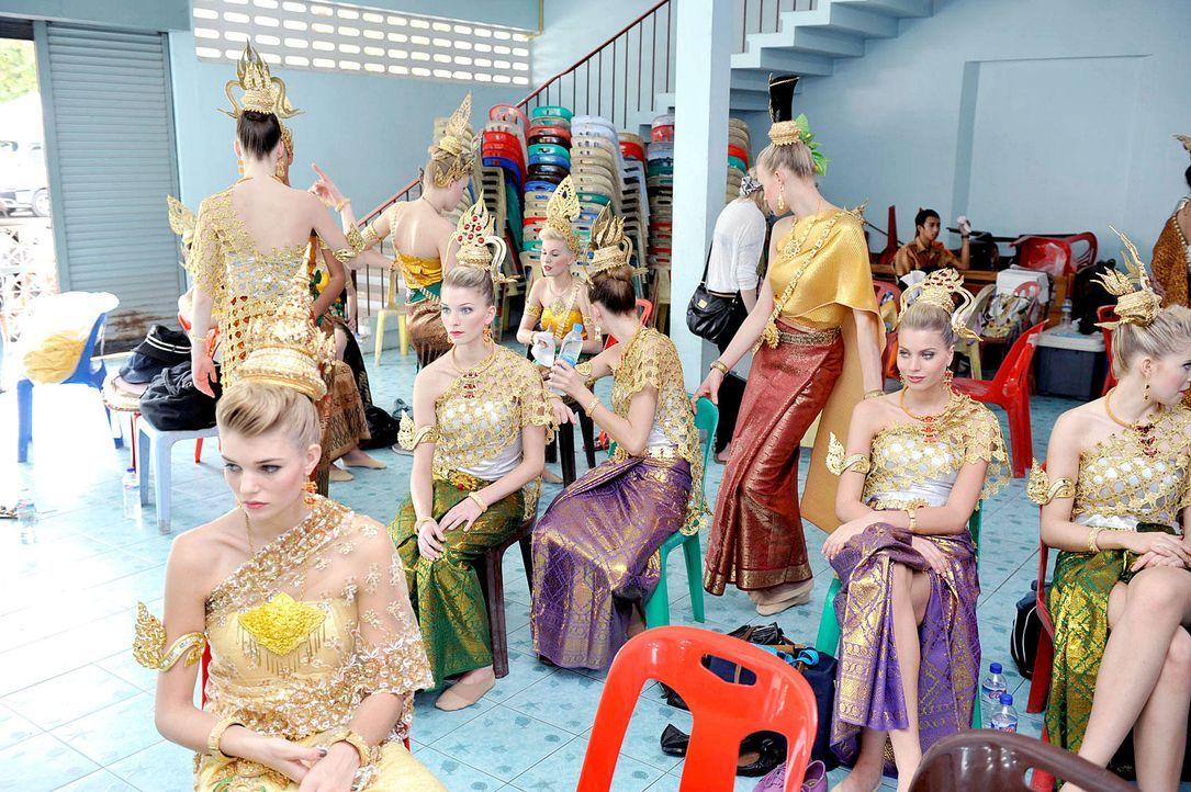 germanys-next-topmodel-stf07-epi03-thai-dance-053-oliver-s-prosiebenjpg 1700 x 1131 - Bildquelle: Oliver S./ProSieben