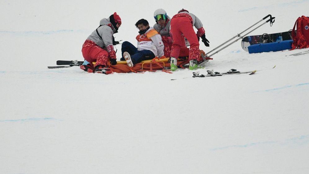Snowboard: Yuto Totsuka muss behandelt werden - Bildquelle: AFPSIDMARTIN BUREAU