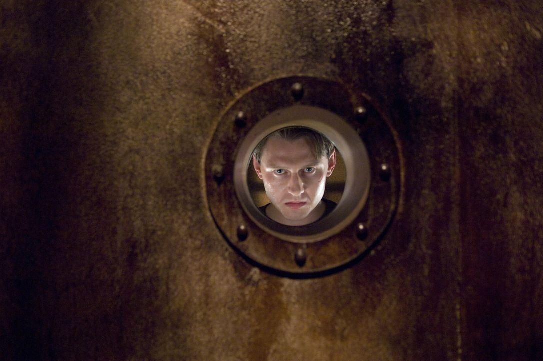 Langsam macht sich The Laugh (Keir O'Donnell) daran, seinen mörderischen Plan umzusetzen ... - Bildquelle: 2009 Warner Bros.