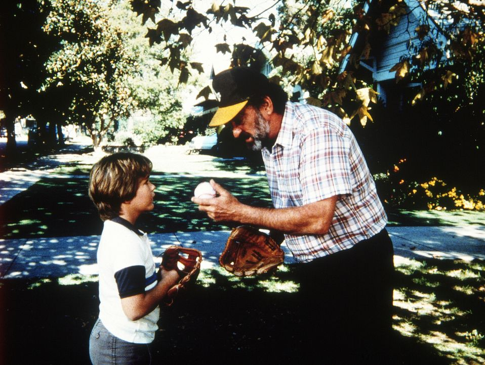 Mark (Victor French, r.) und der kleine Adam (Jerry Supiran, l.) haben Freundschaft geschlossen. - Bildquelle: Worldvision Enterprises, Inc.