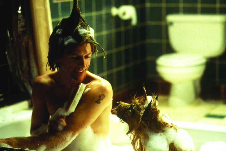 Dylan Ramsey (David Spade) kümmert sich ganz besonders liebevoll um den Hund seiner neuen Nachbarin ... - Bildquelle: Warner Brothers
