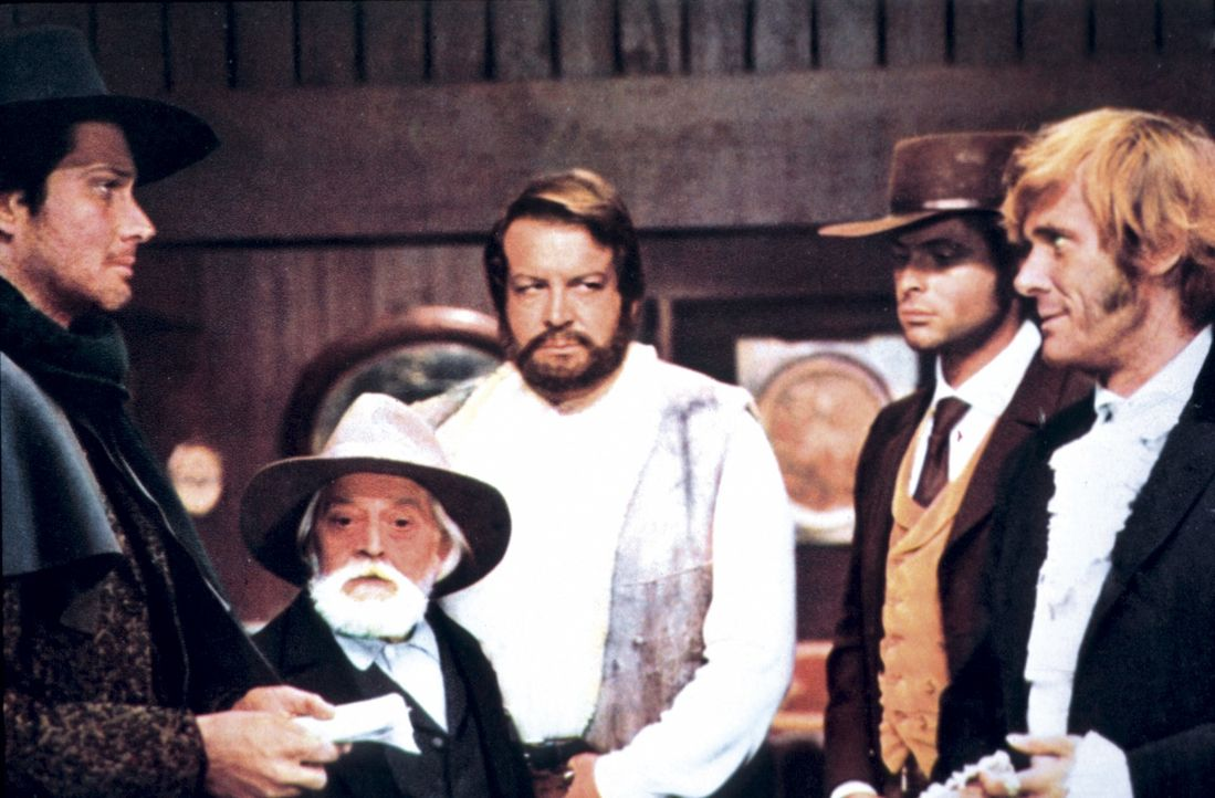 Bill Kiowa (Brett Halsey, l.), O'Bannion (Bud Spencer, M), Bunny Fox (Franco Borelli, 2.v.r.) und Francis Moran (William Berger, r.) wollen den Anfü...