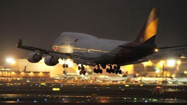 AL_Flugzeug_dpa 3655 x 2056